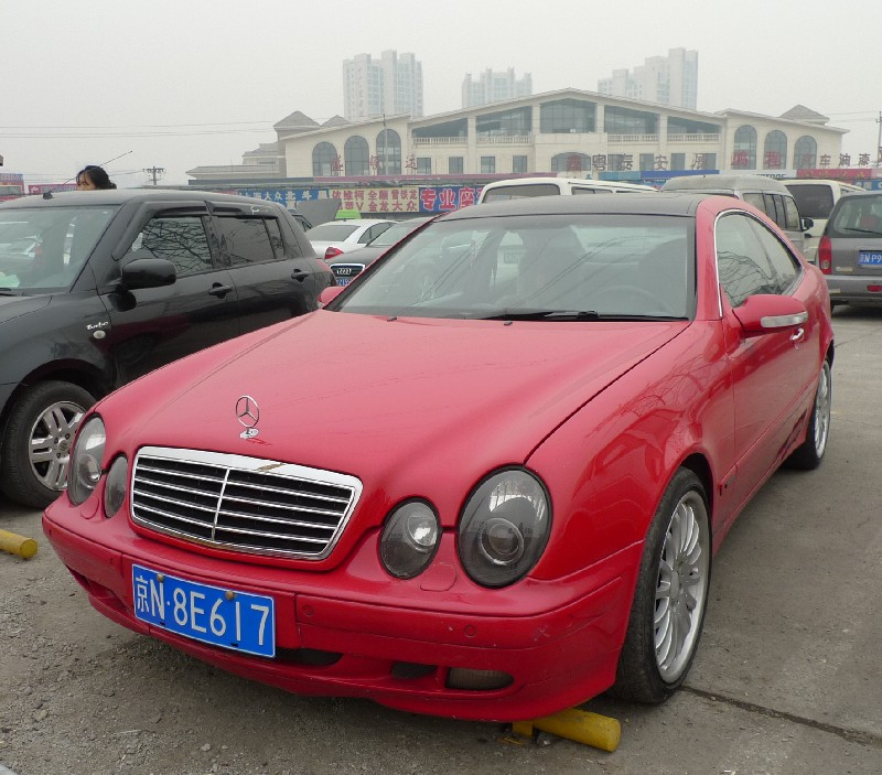 MERCEDES-BENZ CLK red