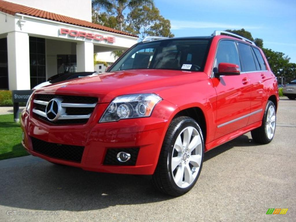 MERCEDES-BENZ GLK red