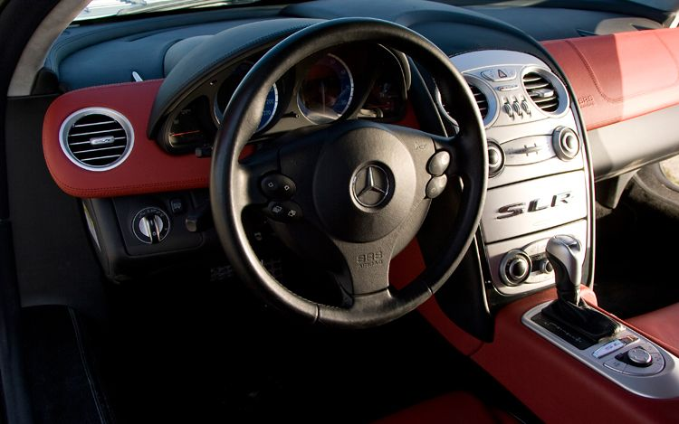 MERCEDES-BENZ MCLAREN SLR interior