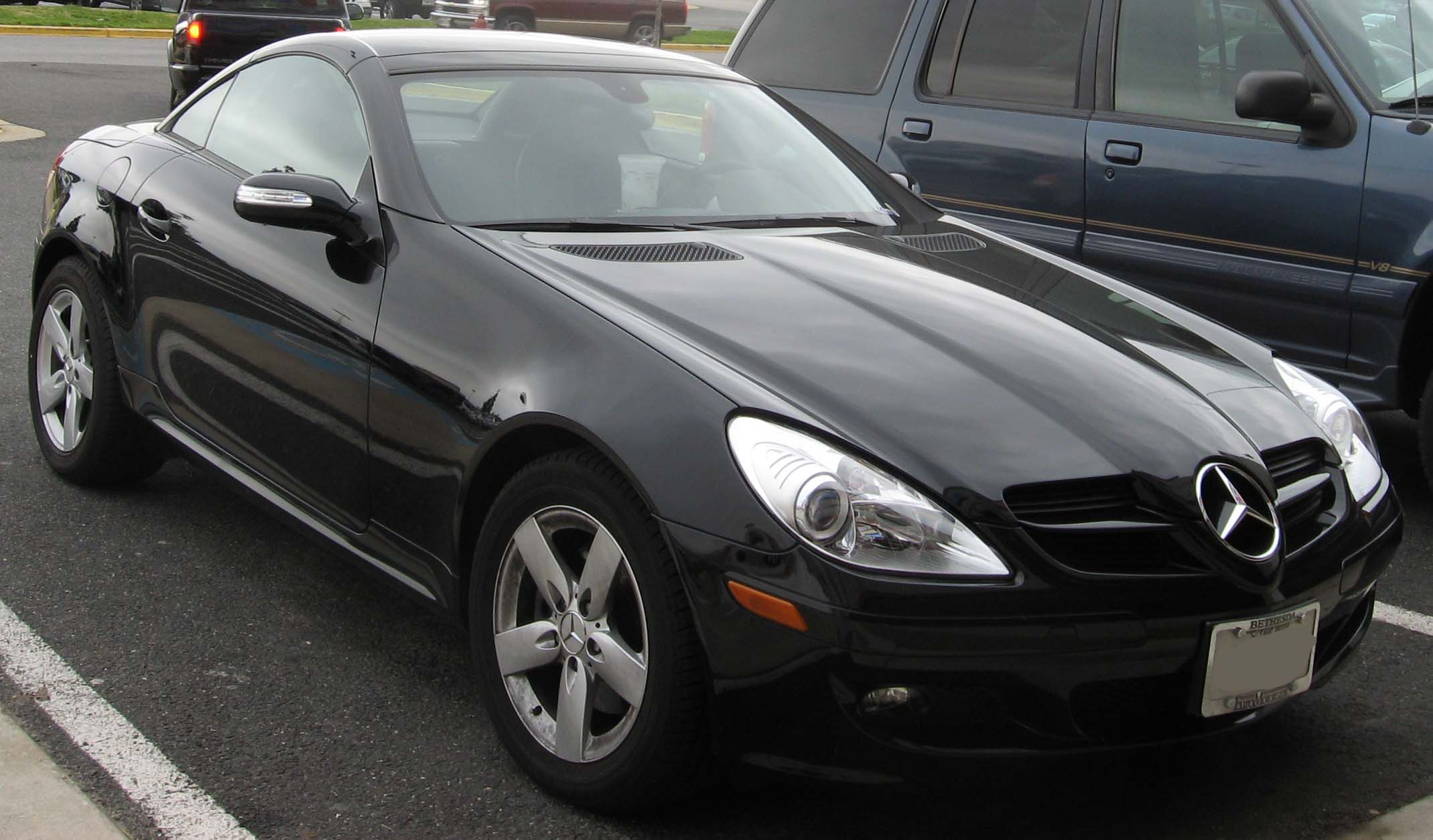 Mercedes benz slk class review and photos for Mercedes benz slk reviews