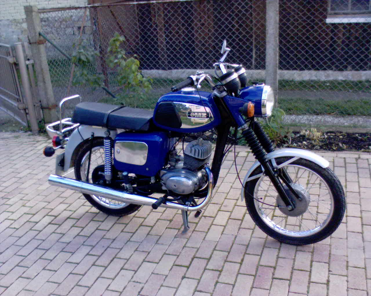 MZ 125 brown