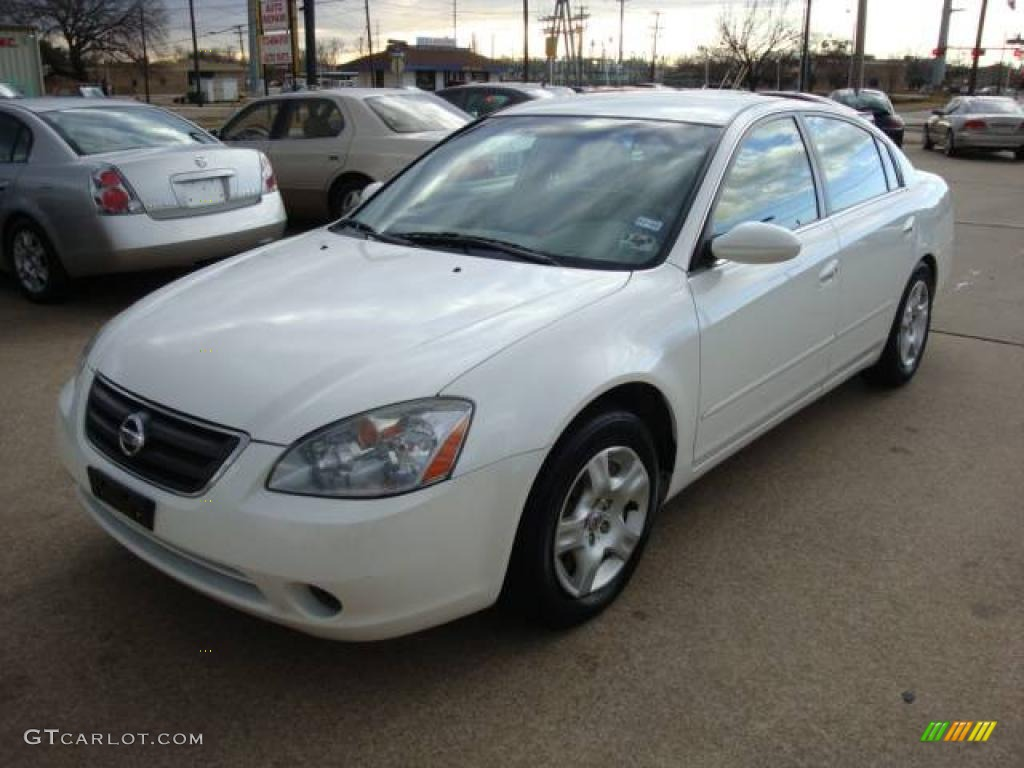 NISSAN ALTIMA 2.5 white