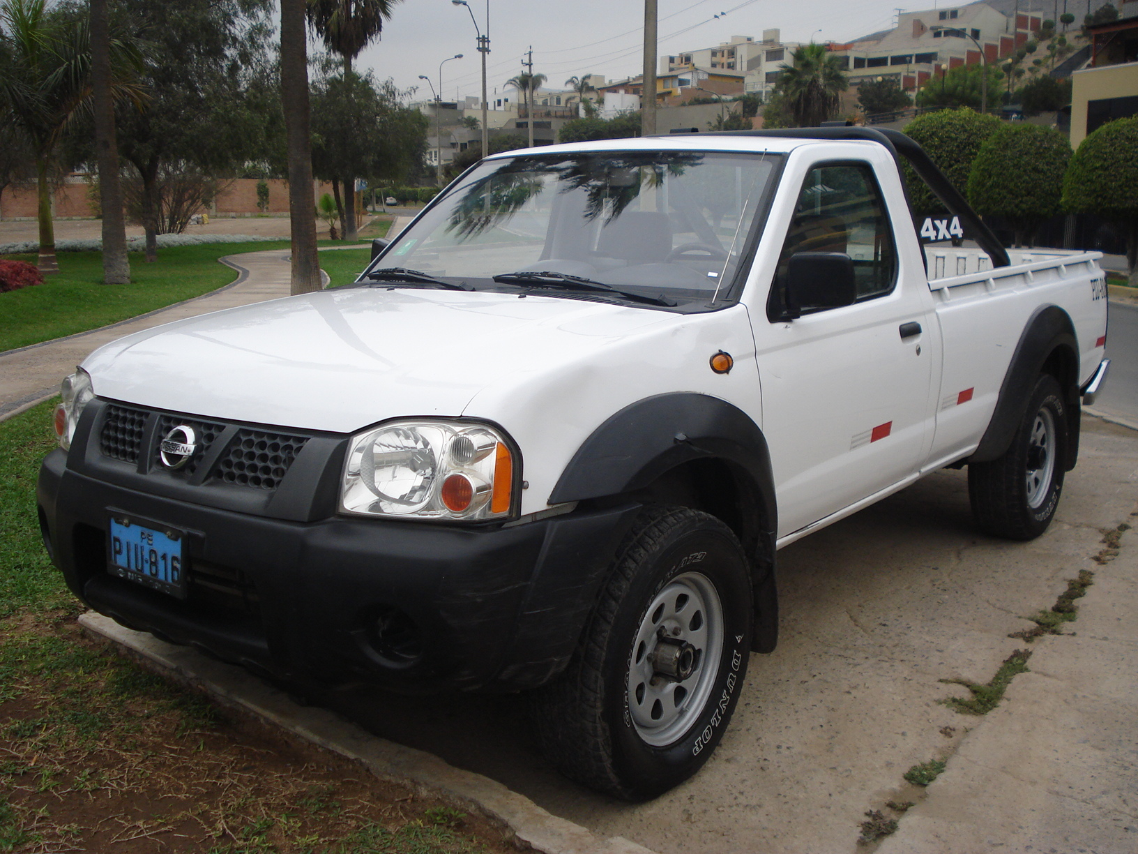 Nissan Navara Review And Photos