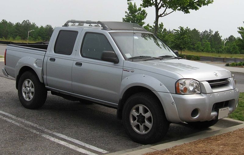 NISSAN FRONTIER 4X4 silver
