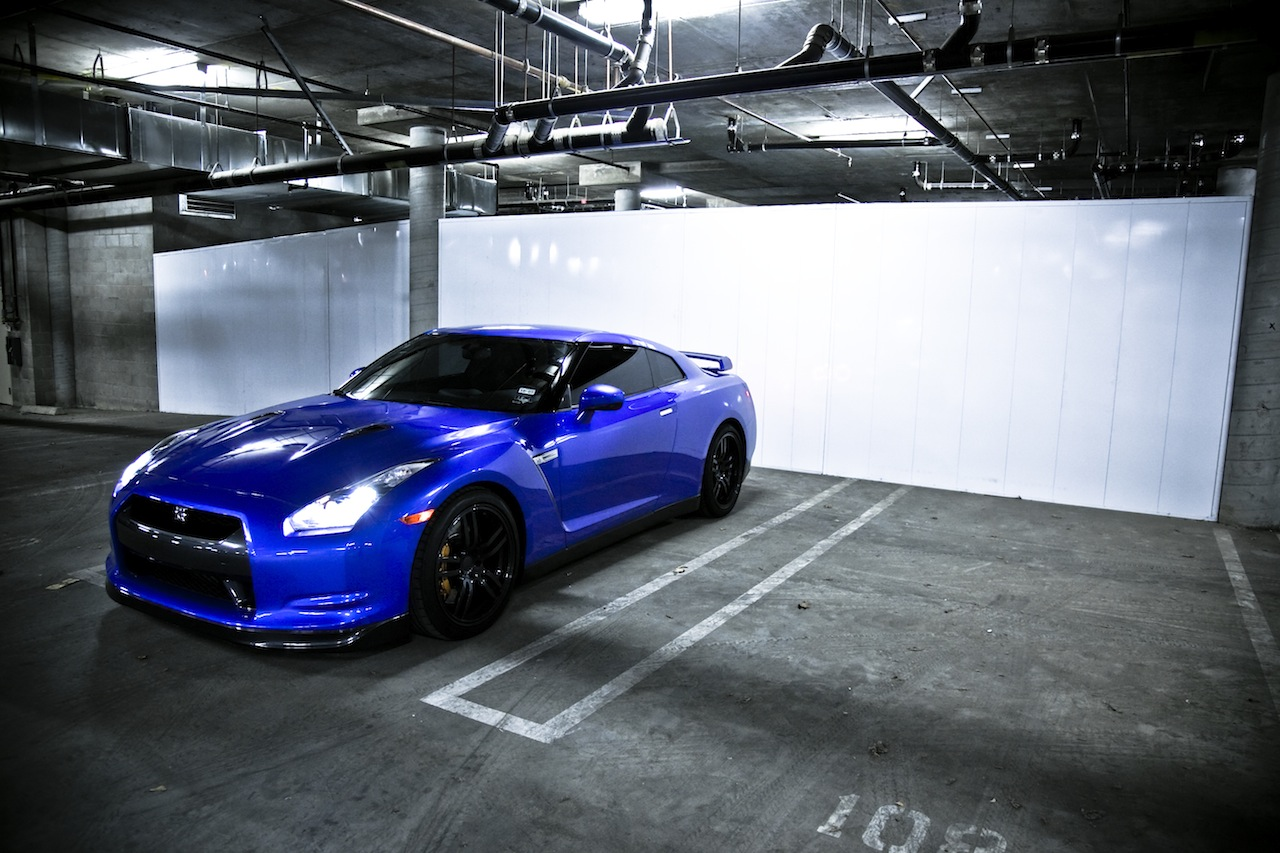 NISSAN GT-R - Review and photos