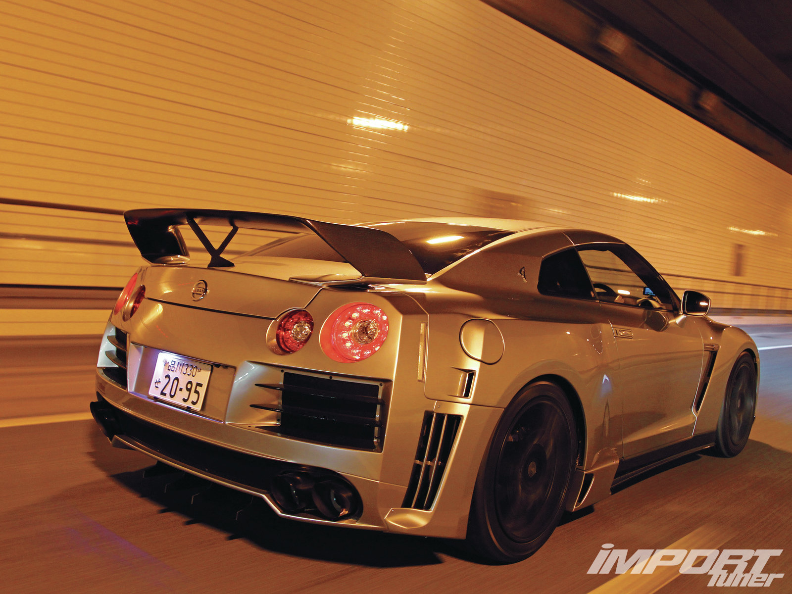 NISSAN GT-R brown