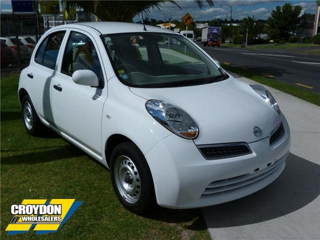 NISSAN MARCH 1.0 white