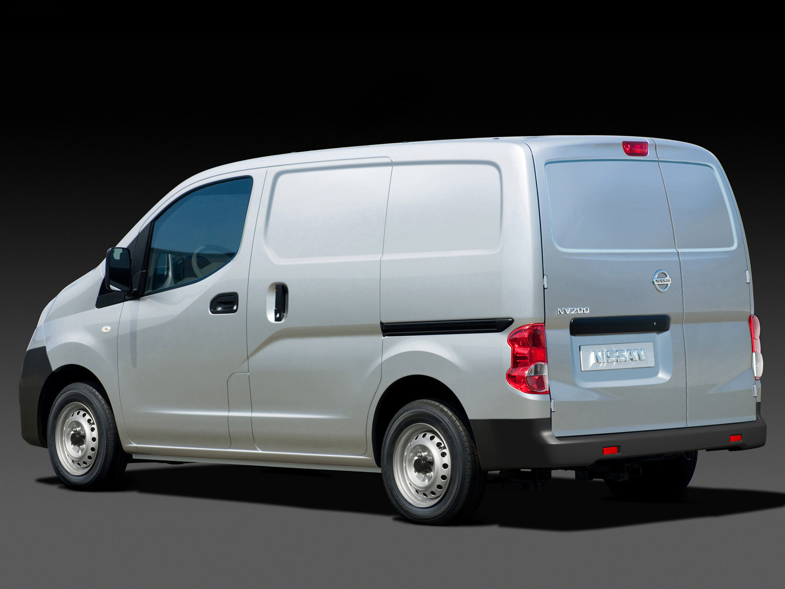 NISSAN NV200 white