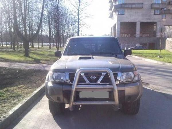 NISSAN PATROL 2.8 red