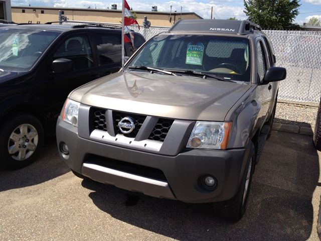 NISSAN PRAIRIE brown