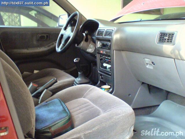 NISSAN SENTRA B13 interior