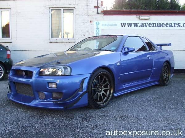 Blue Nissan Skyline R34 revving (not my car) - YouTube
