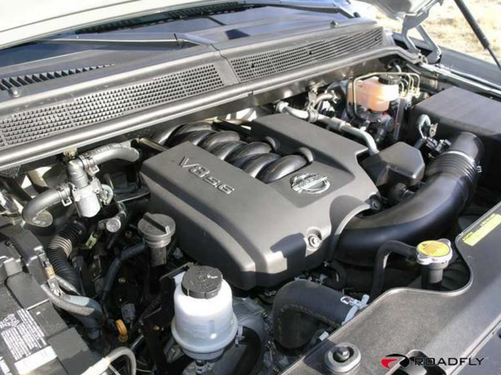 NISSAN TITAN Engine