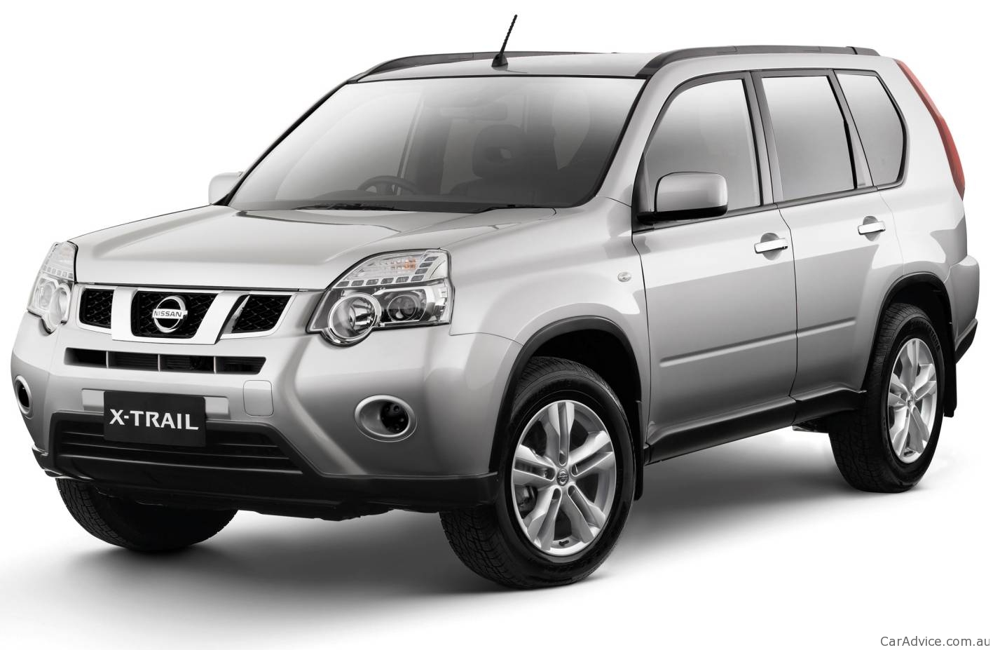 NISSAN X-TRAIL - Review and photos