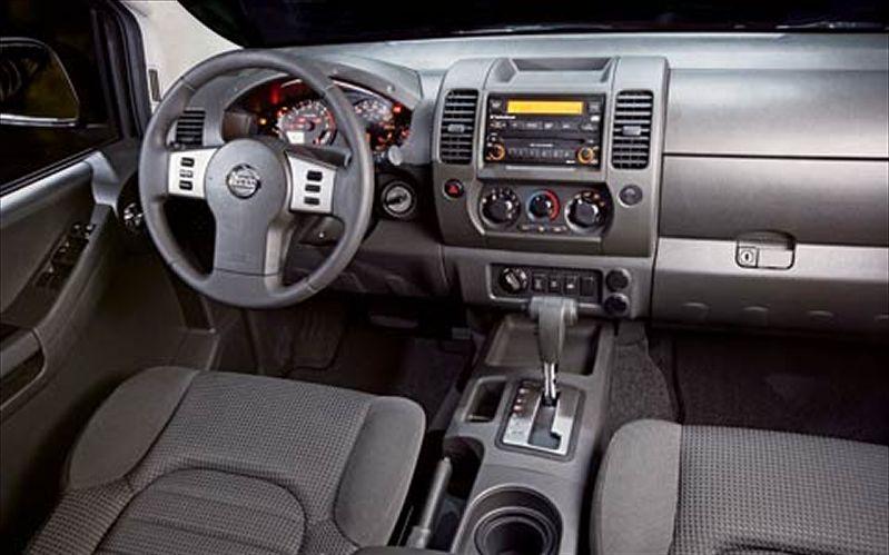 NISSAN XTERRA 4X4 interior