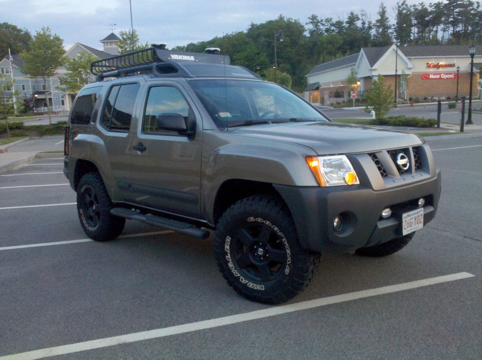 nissan xterra review and photos. Black Bedroom Furniture Sets. Home Design Ideas