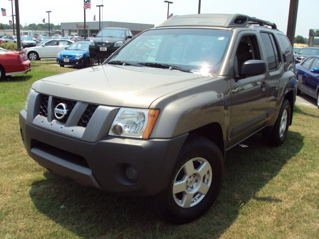 NISSAN XTERRA brown