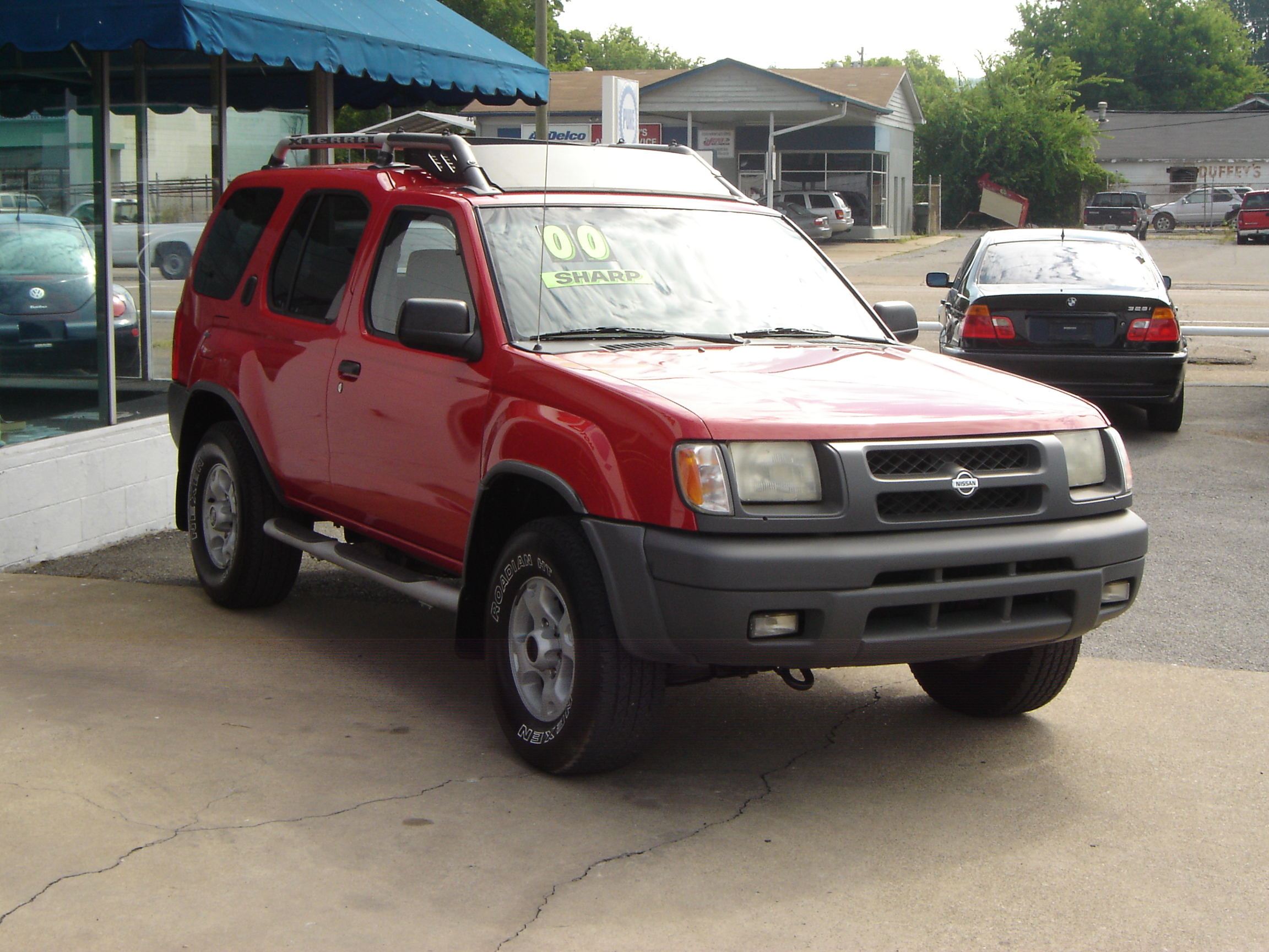 NISSAN XTERRA red