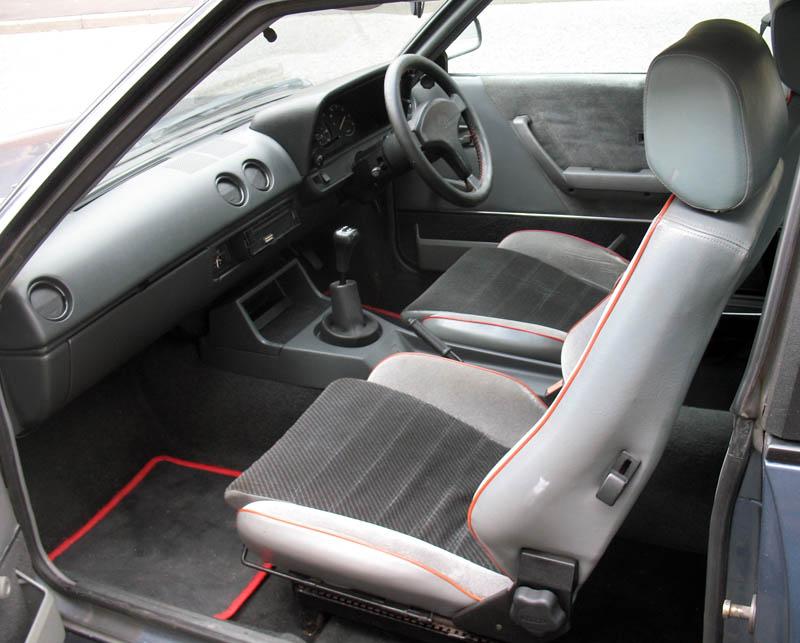 OPEL GT MANTA interior