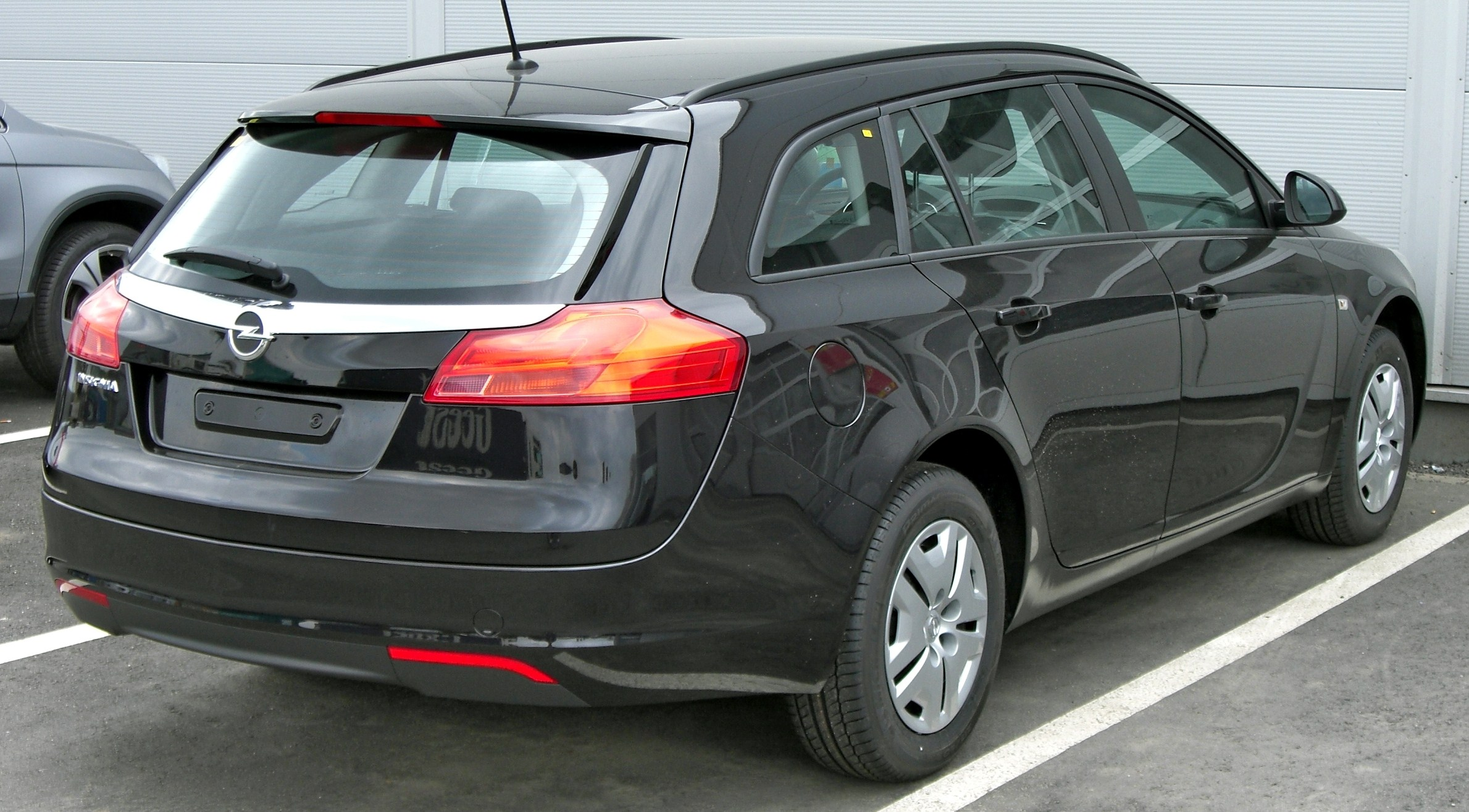 OPEL TOURER black