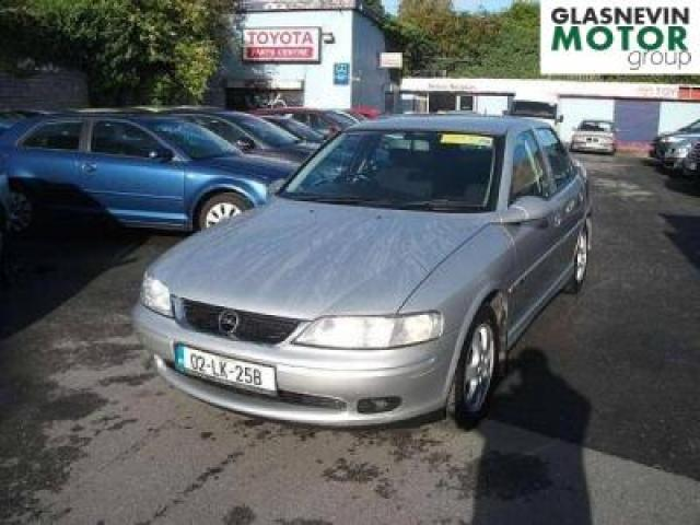 OPEL VECTRA 1.6 green
