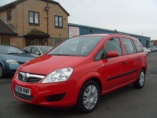 OPEL ZAFIRA red