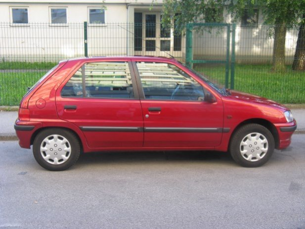 PEUGEOT 106 1.0 red