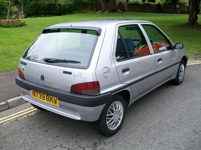 PEUGEOT 106 silver