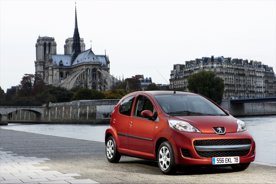 PEUGEOT 107 silver