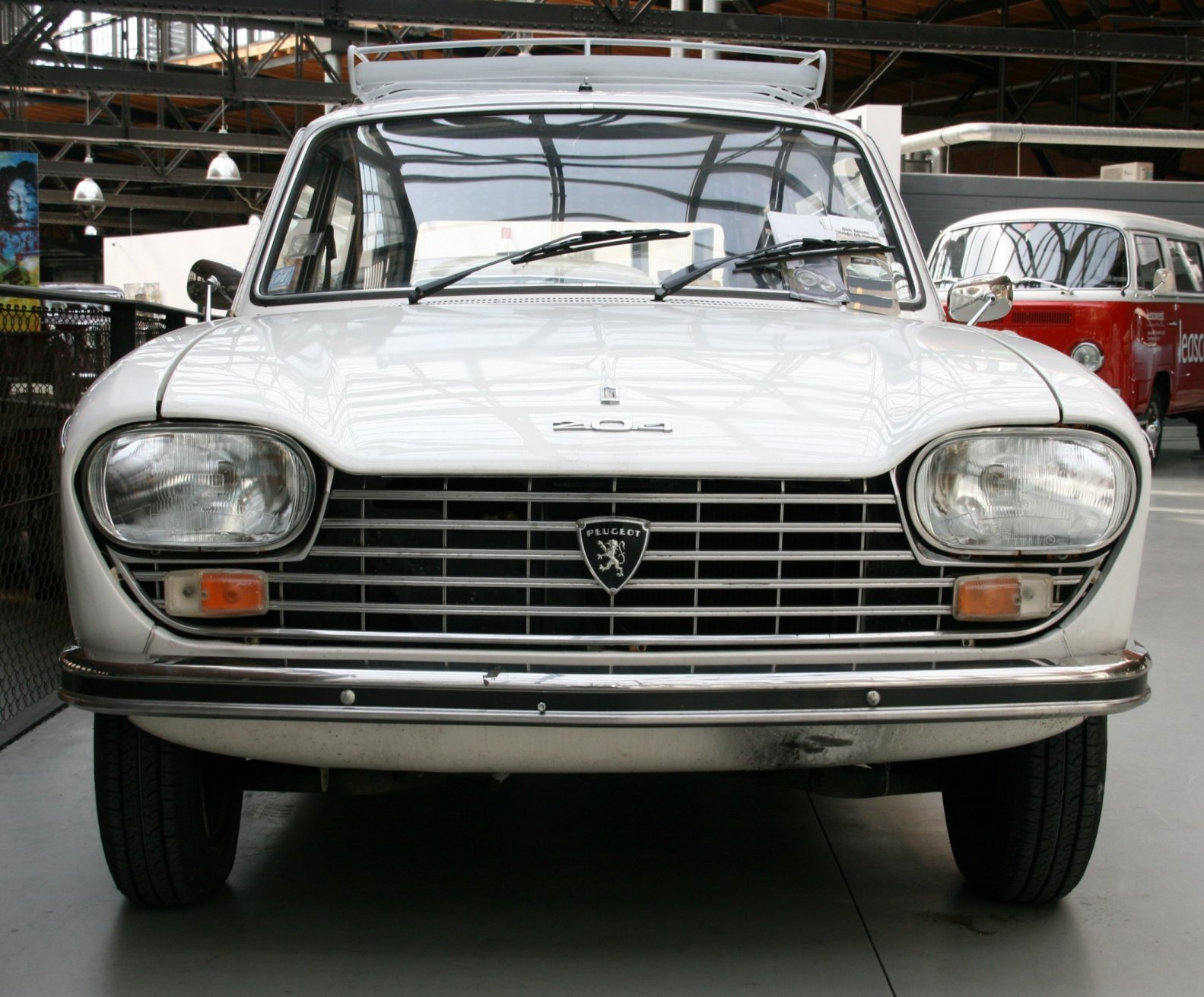 PEUGEOT 204 silver