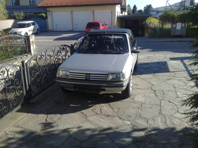 PEUGEOT 205 1.1 silver