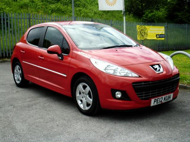 PEUGEOT 207 1.4 red