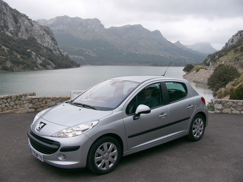 PEUGEOT 207 - Review and photos
