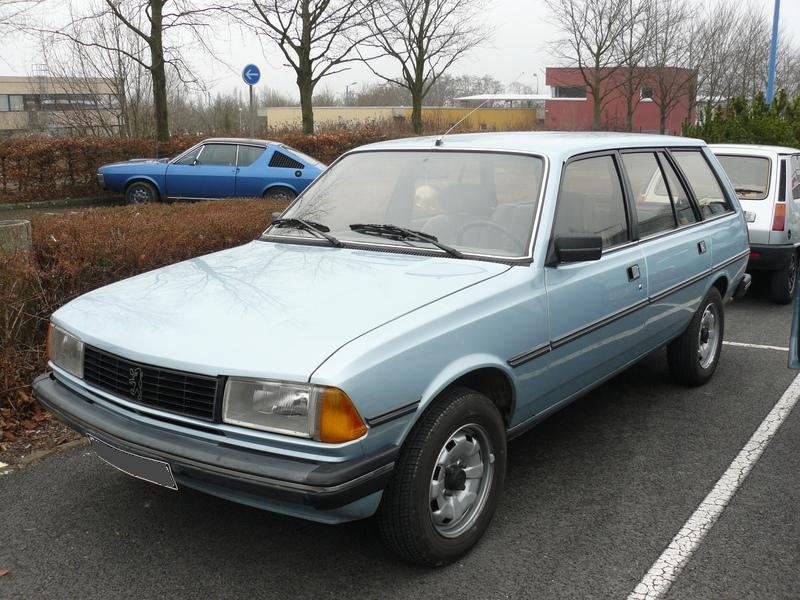 PEUGEOT 305 BREAK white