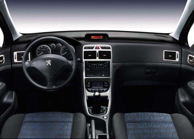 PEUGEOT 307 1.6 interior