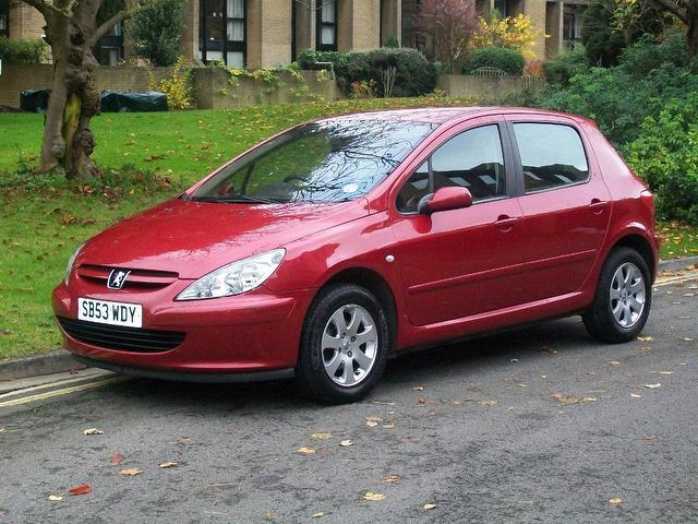 PEUGEOT 307 1.6 red