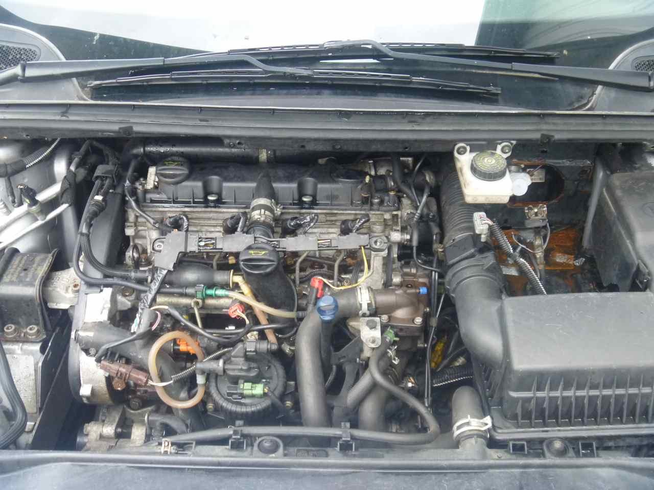 PEUGEOT 307 engine