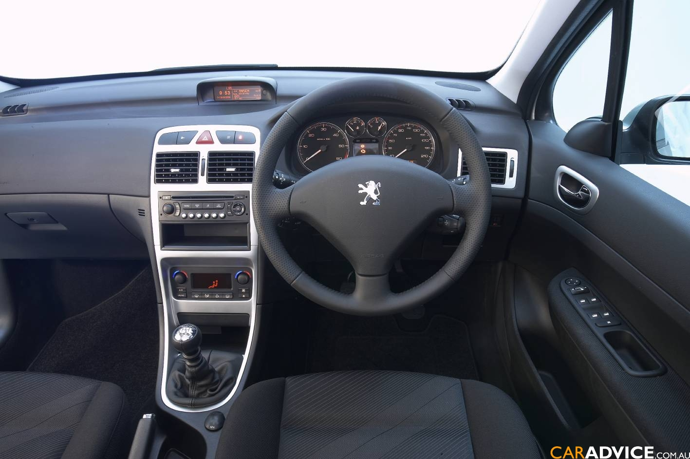 Peugeot 307 review and photos for Peugeot 107 interior