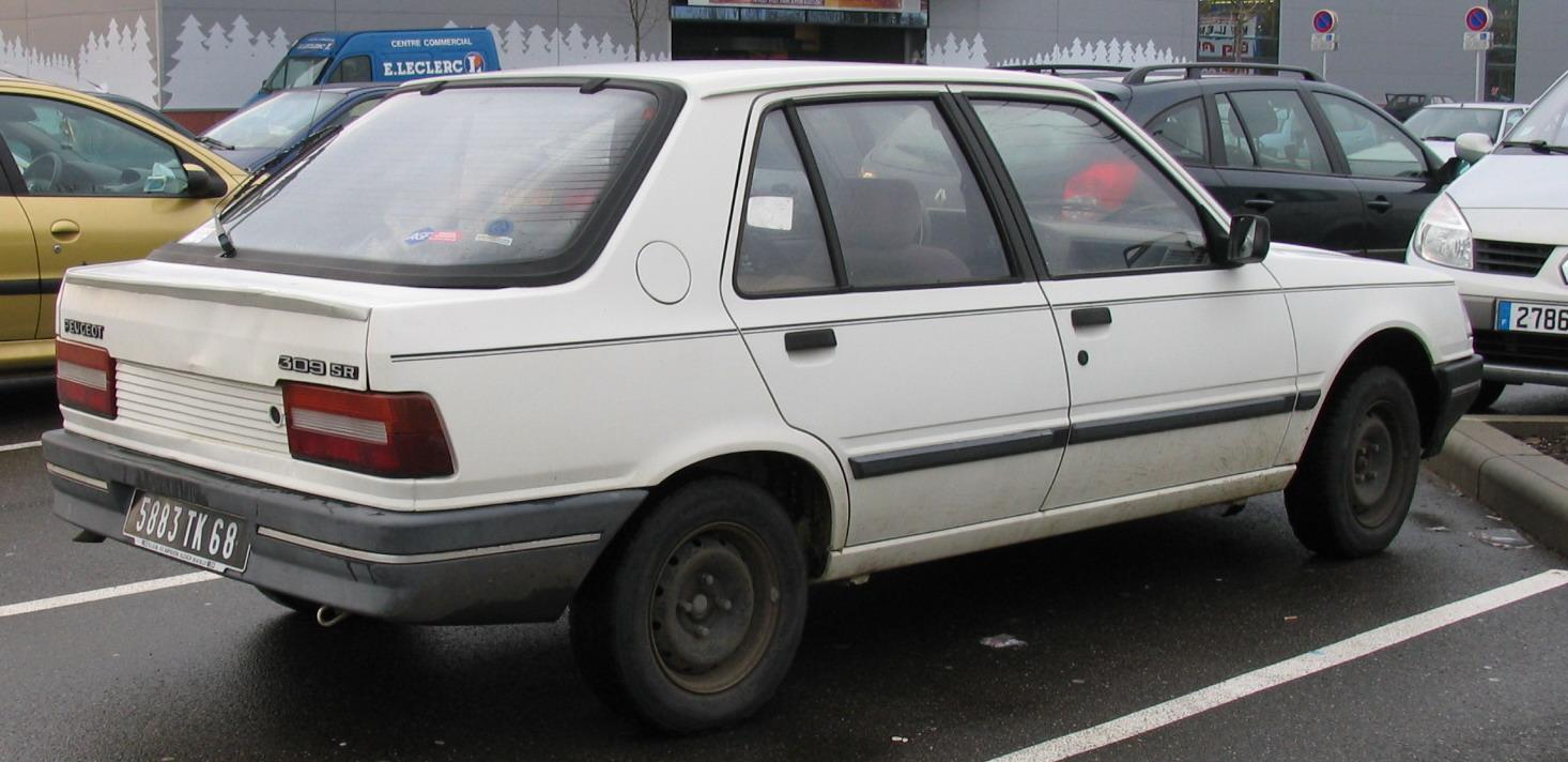 PEUGEOT 309 white
