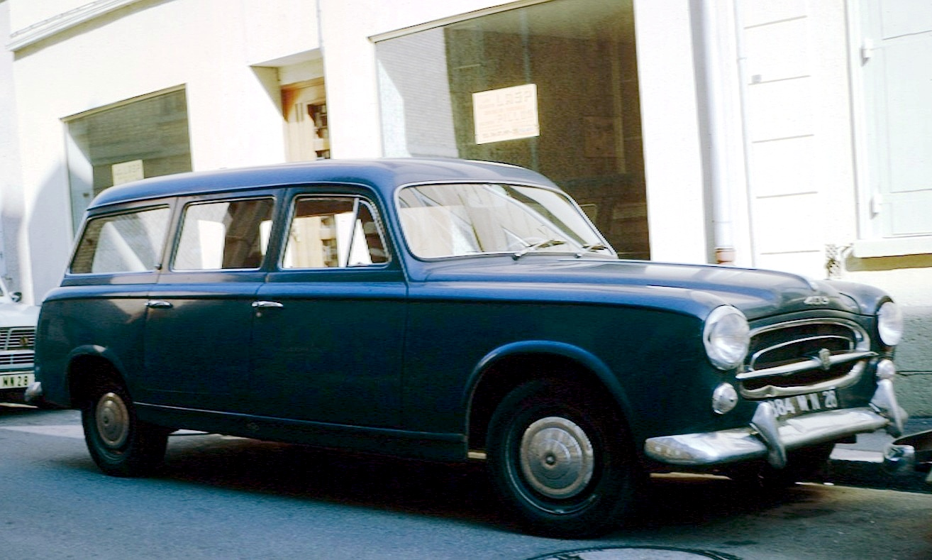 PEUGEOT 403 silver