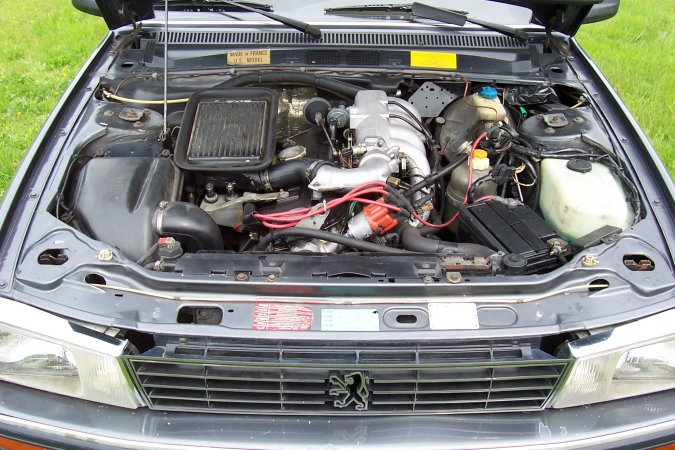 PEUGEOT 505 engine