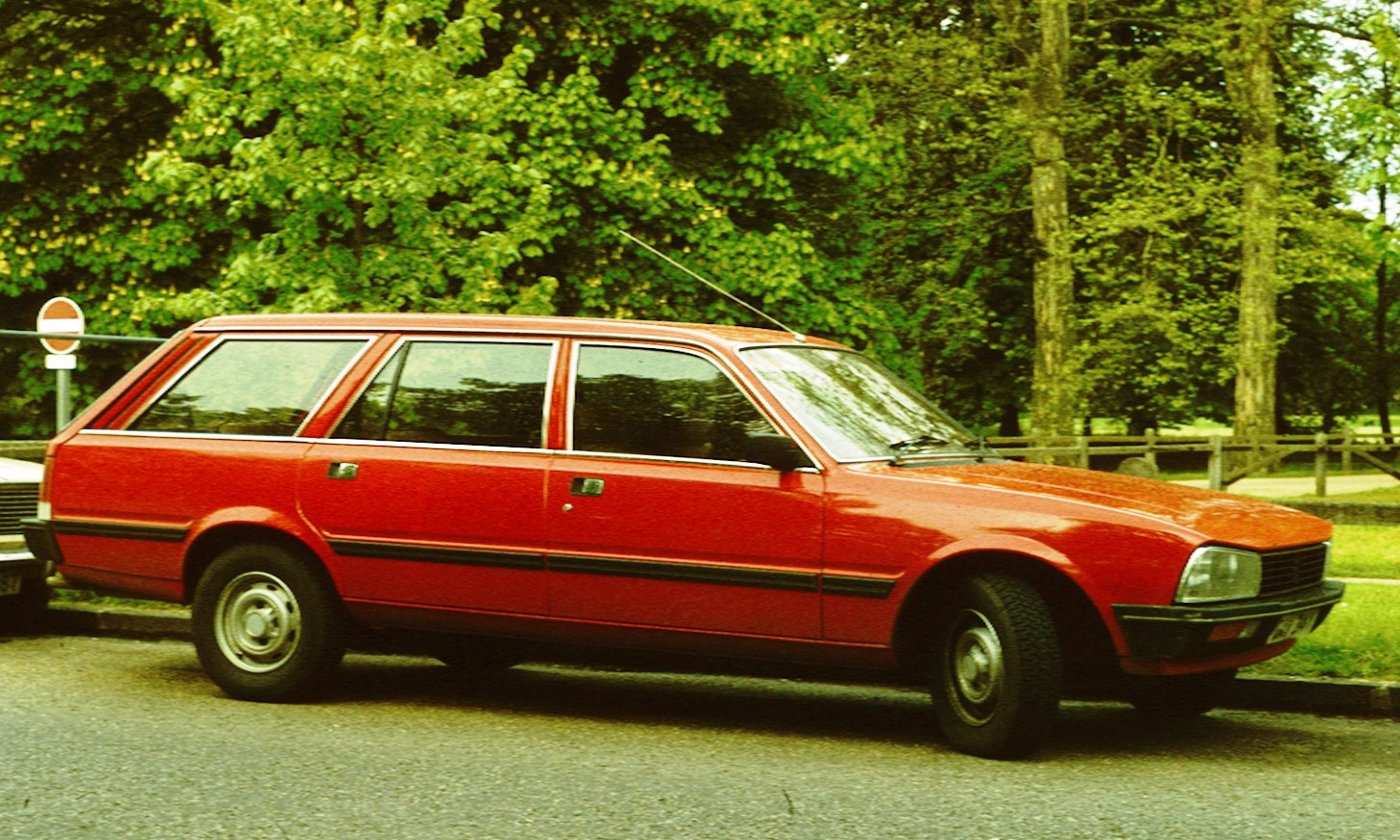 PEUGEOT 505 red