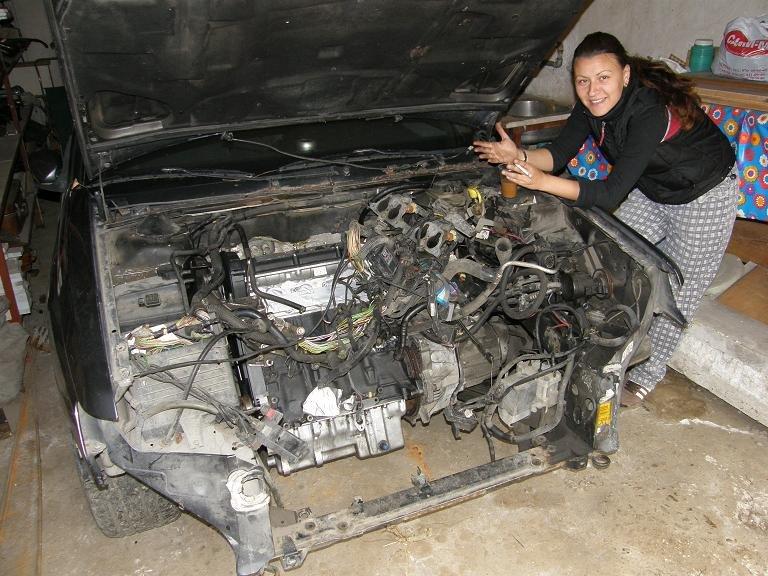 PEUGEOT 605 engine