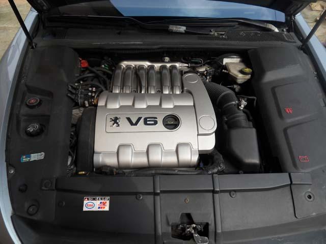 PEUGEOT 607 engine