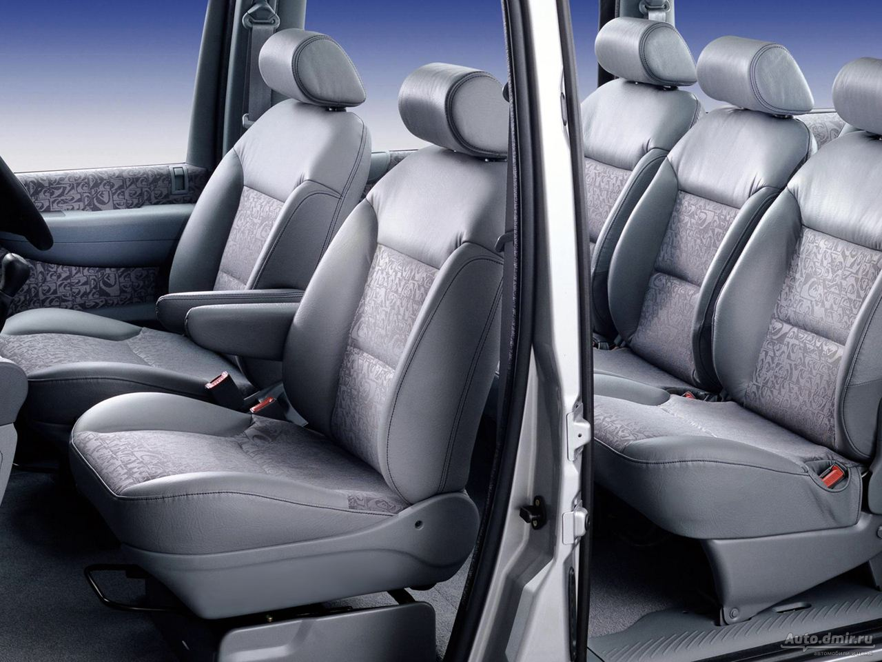PEUGEOT 806 interior