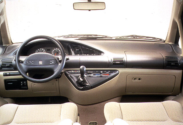 Peugeot 806 review and photos for Peugeot 806 interieur