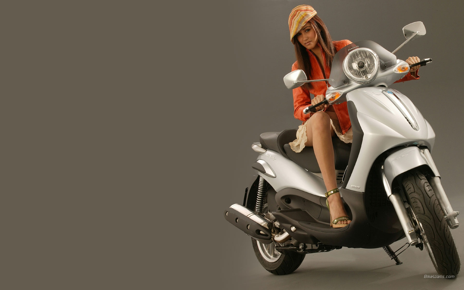 PIAGGIO BEVERLY brown