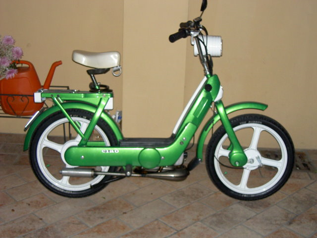 PIAGGIO BRAVO green