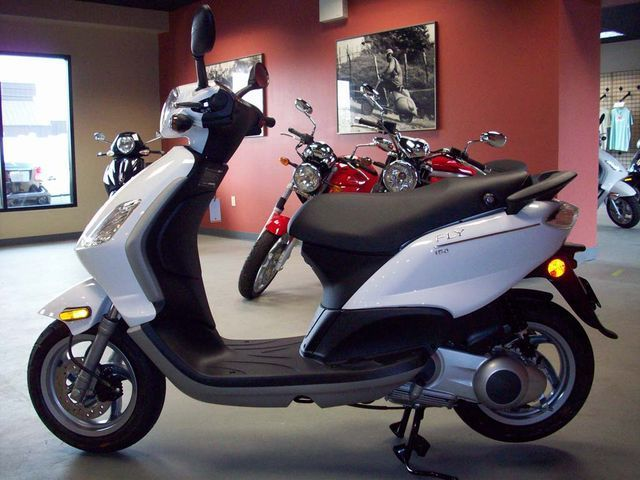 PIAGGIO FLY red
