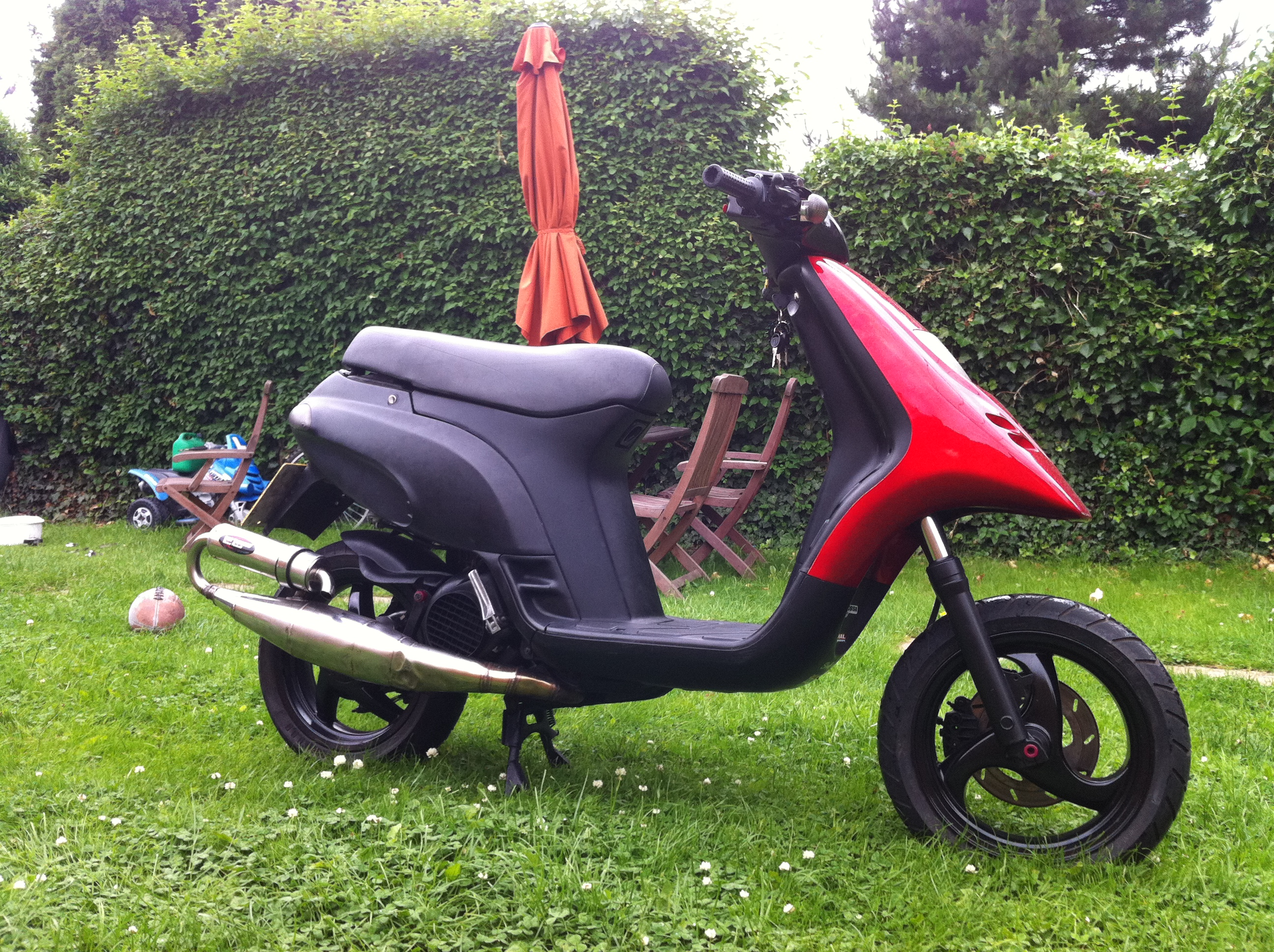 PIAGGIO TYPHOON red